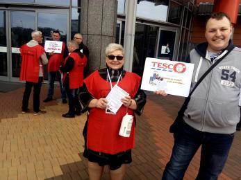 Pokojowy protest pracowników Tesco