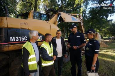 Policjanci podziękowali Panu Arkadiuszowi za obywatelską postawę
