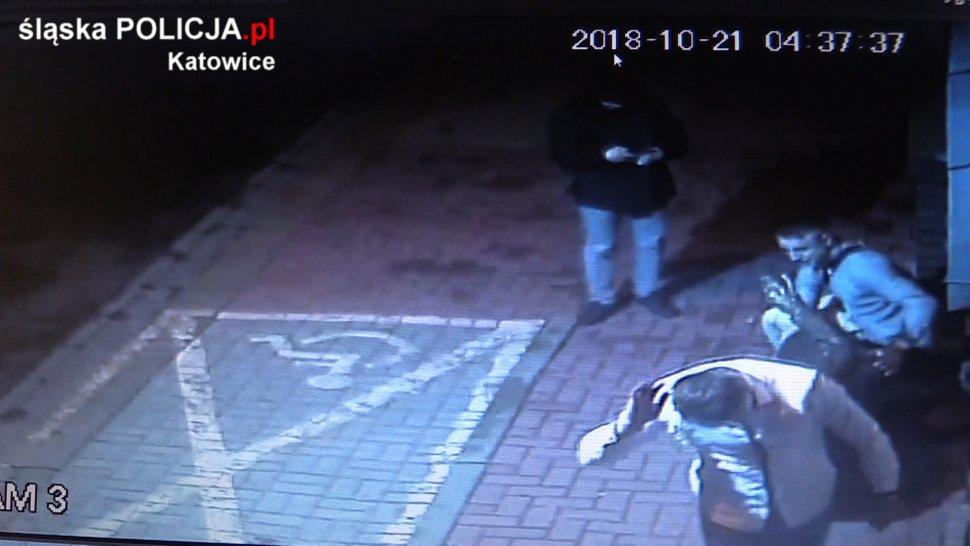 Uszkodzili rzeźbę, nagrały ich kamery. Rozpoznajesz ich?