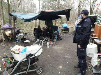 Kontrole pustostanów i apel policjantów