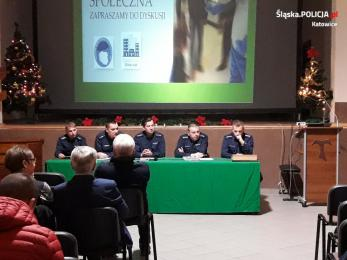 Policjanci przeprowadzili debatę. Rozmawiali z mieszkańcami Katowic o bezpieczeństwie
