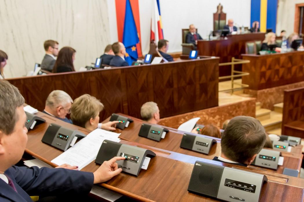 Sejmik Województwa Śląskiego przyjął budżet województwa na 2019 rok