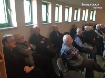 Katowiccy policjanci spotkali się z emerytowanymi księżmi w Domu św. Józefa