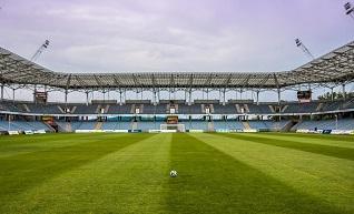 Mecz charytatywny dla Kuby na boisku Kolejarza