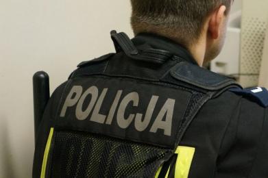 Katowice: Policjanci po pościgu zatrzymali poszukiwanego
