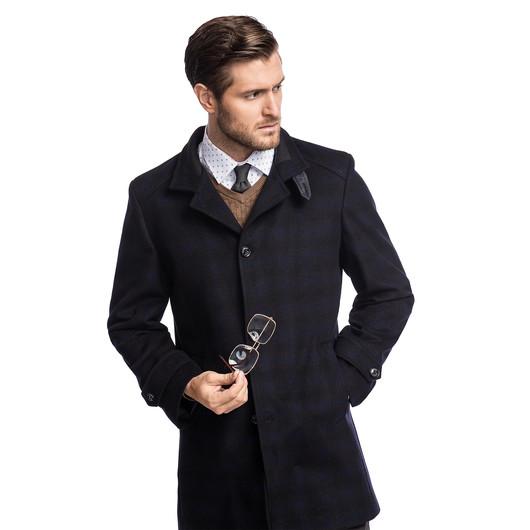 Zima tuż, tuż! Sprawdź jakie płaszcze męskie będą modne w