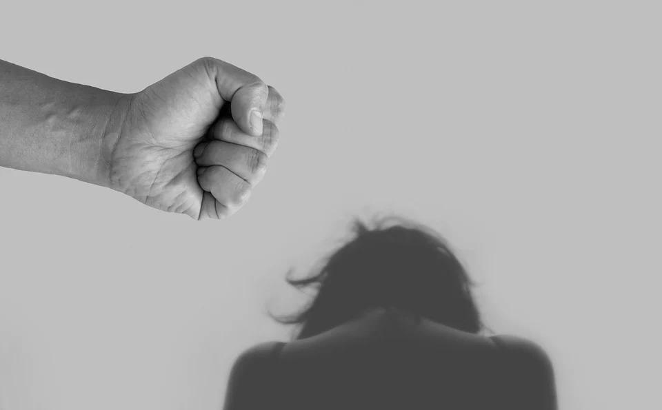 Przemoc w rodzinie. Uzyskaj pomoc policji