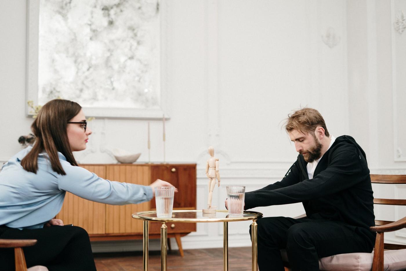 Psychoterapia i wsparcie psychologa- jak i gdzie szukać pomocy?