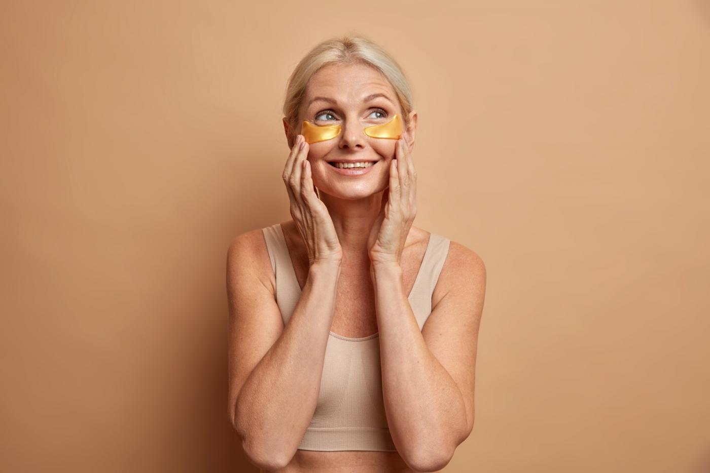 Problem z cieniami i obrzękami wokół oczu? Sprawdź najlepsze kosmetyki
