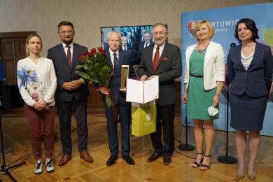 Laureaci Nagród Prezydenta za działalność społeczną i charytatywną
