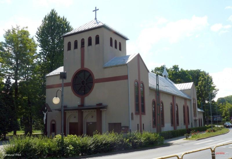Parafia We�nowiec - Ko�ci� pw. Naj�wi�tszej Maryi Panny Wspomo�enia Wiernych