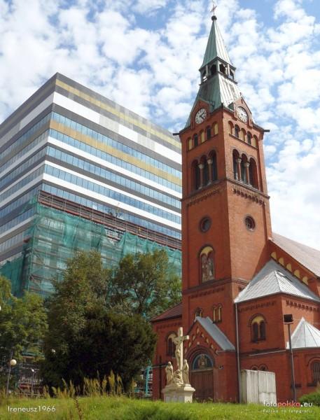 Dąb - Kościół pw. św. Jana i Pawła Męczenników
